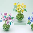 ビーズの小花のアレンジメント