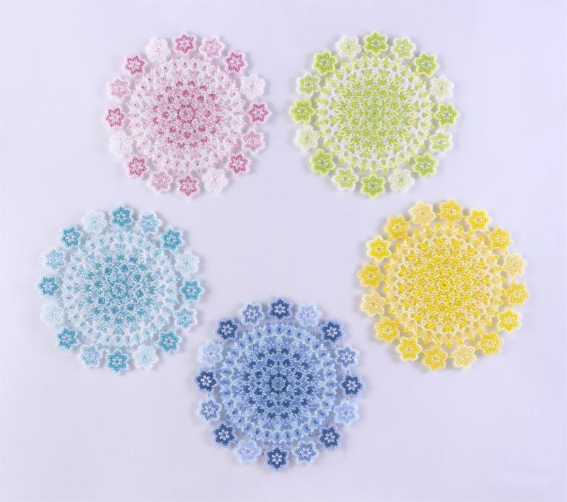小花モチーフのレース編み風ドイリー・全5色