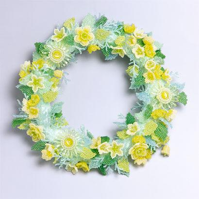 黄色い小花のリース
