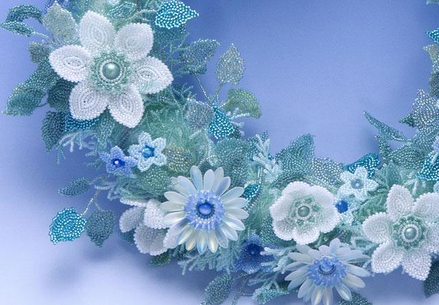 白花のリースの部分詳細