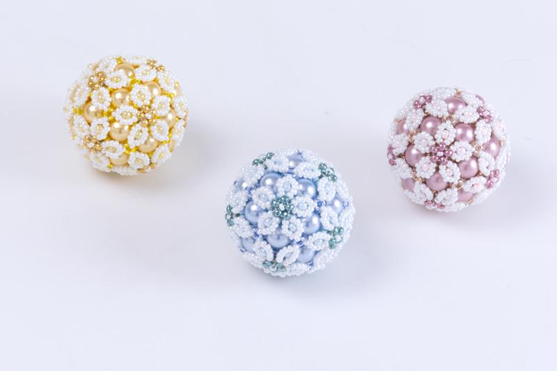 春の花てまりチャーム:イエロー&ホワイト、ブルー&ホワイト、ピンク&ホワイト