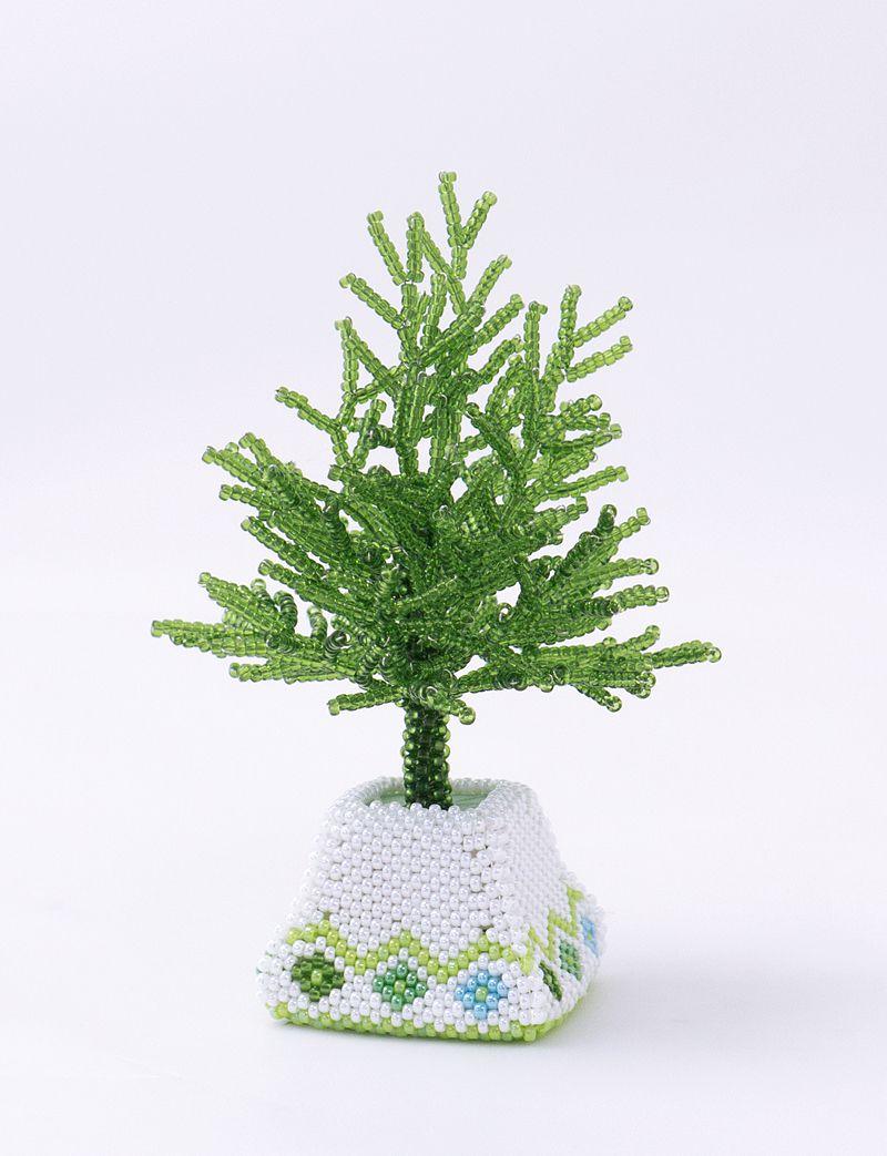 ホワイト&グリーンのミニチュアツリーとポット