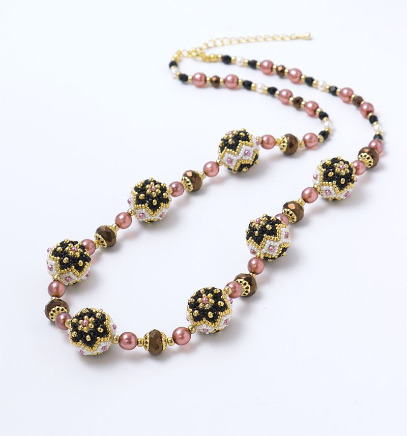 Flowery Ball Necklace