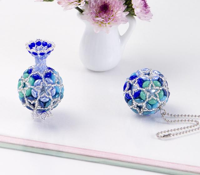 スターフラワーの壷とボール・ブルーの拡大写真