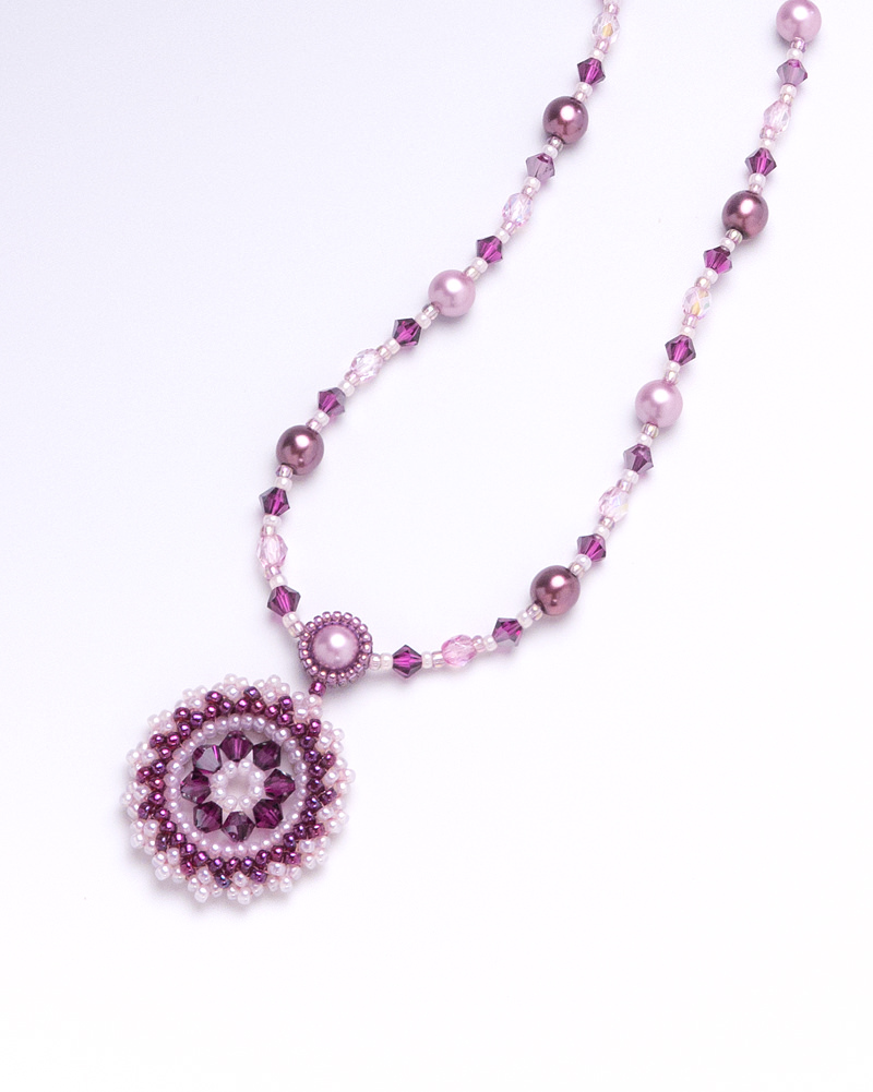 necklace: rose 1