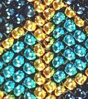 プレイテッドヘリンボーンステッチの編み目の写真