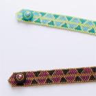 三角模様の編み込みブレスレット