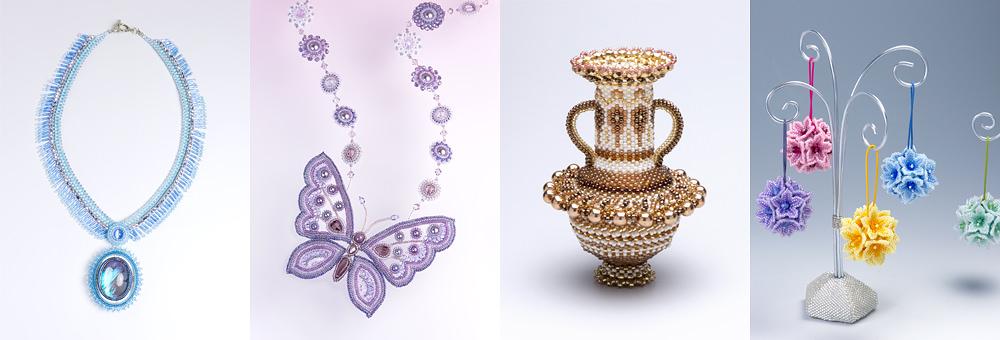 モルフォ蝶のネックレス以下、ビーズで作ったフラワーボールの写真