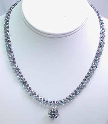 ダイヤモンドチェインステッチのネックレス(シルバー&ブルー)